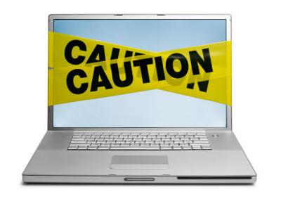 ασφάλεια στο διαδίκτυο - laptop